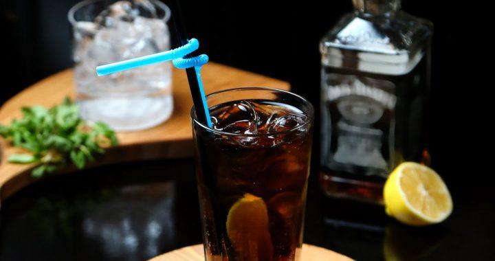 Serile toride cer un cocktail pe baza de Jack Daniel's!