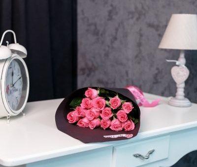Când pot baloanele și aranjamentele florale să reprezinte un cadou romantic?
